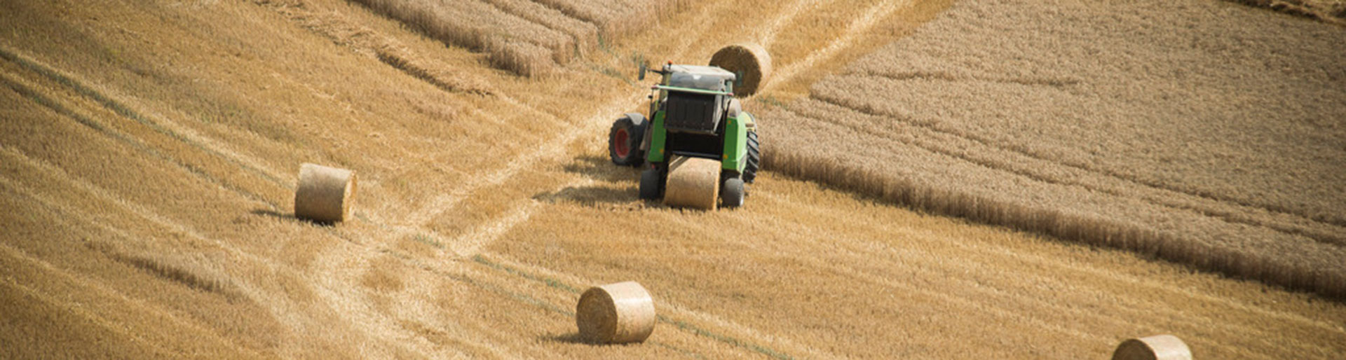 CAPa MA - Tracteur dans un champ
